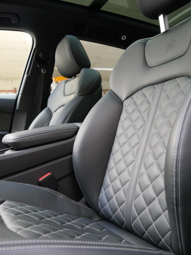 Auto stofferen - Custom autobekleding - Van Rembrandt Customs - Audi SQ7 (4)