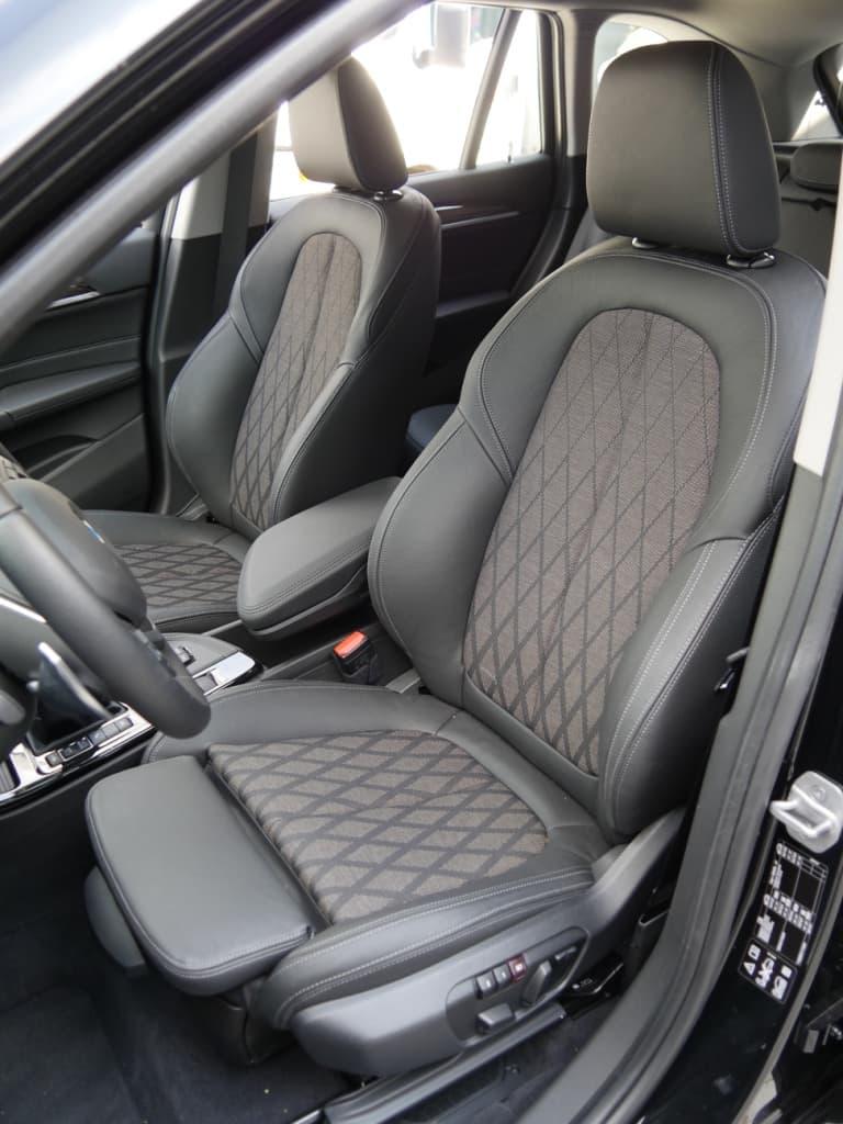Auto stofferen - Custom autobekleding - Van Rembrandt Customs - BMW X1 (1)