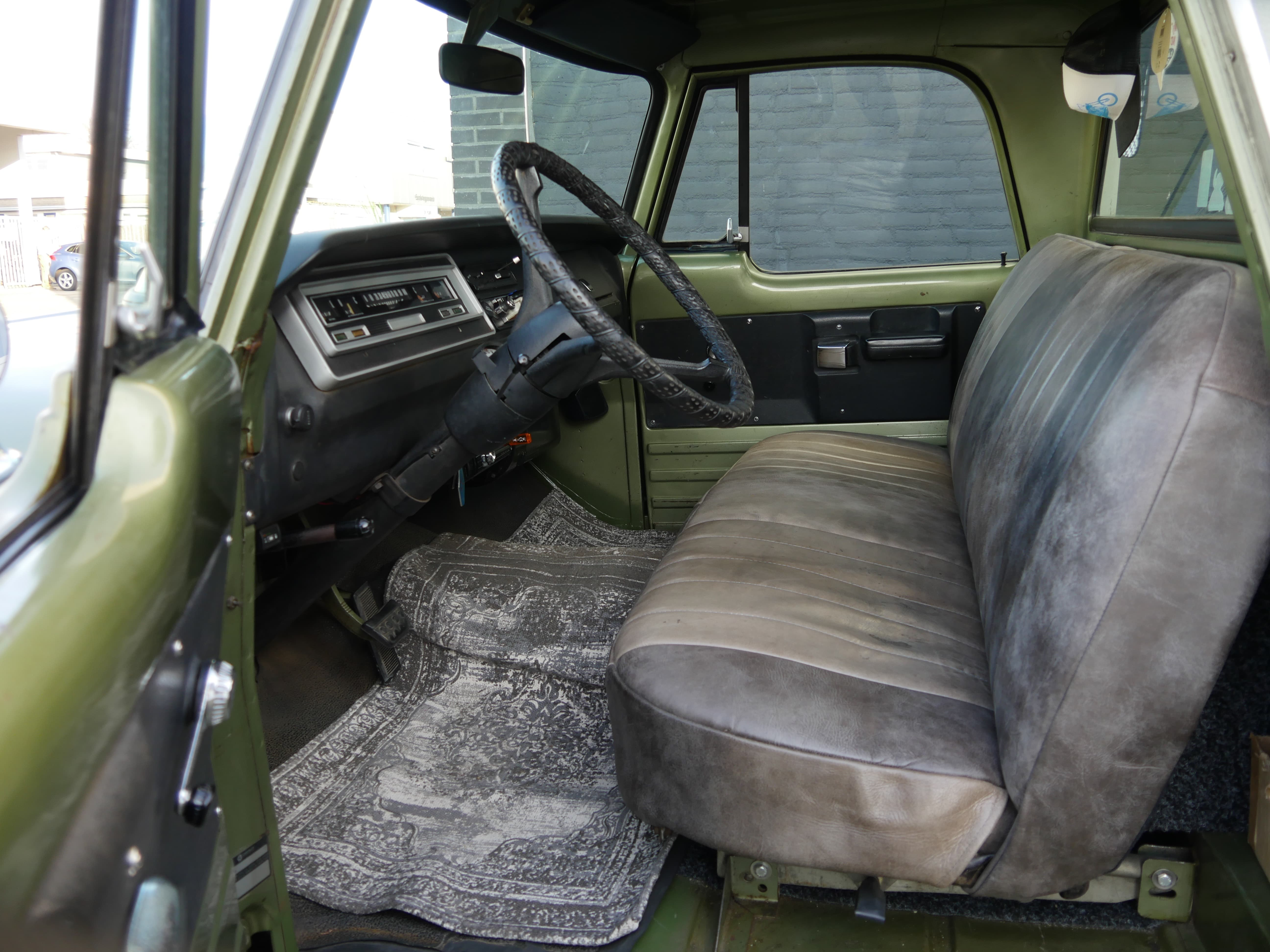 Auto stofferen - Custom autobekleding - Van Rembrandt Customs - Dodge C10 (1)