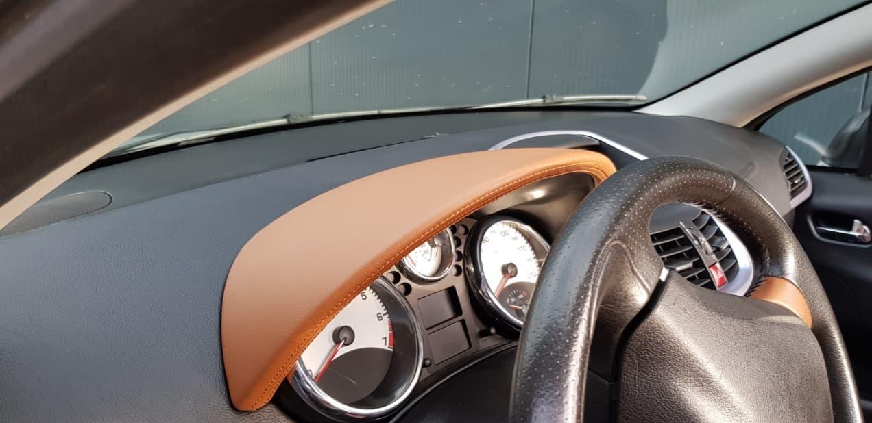 Custom dashboard - Custom autobekleding - Van Rembrandt Customs - Peugot (6)