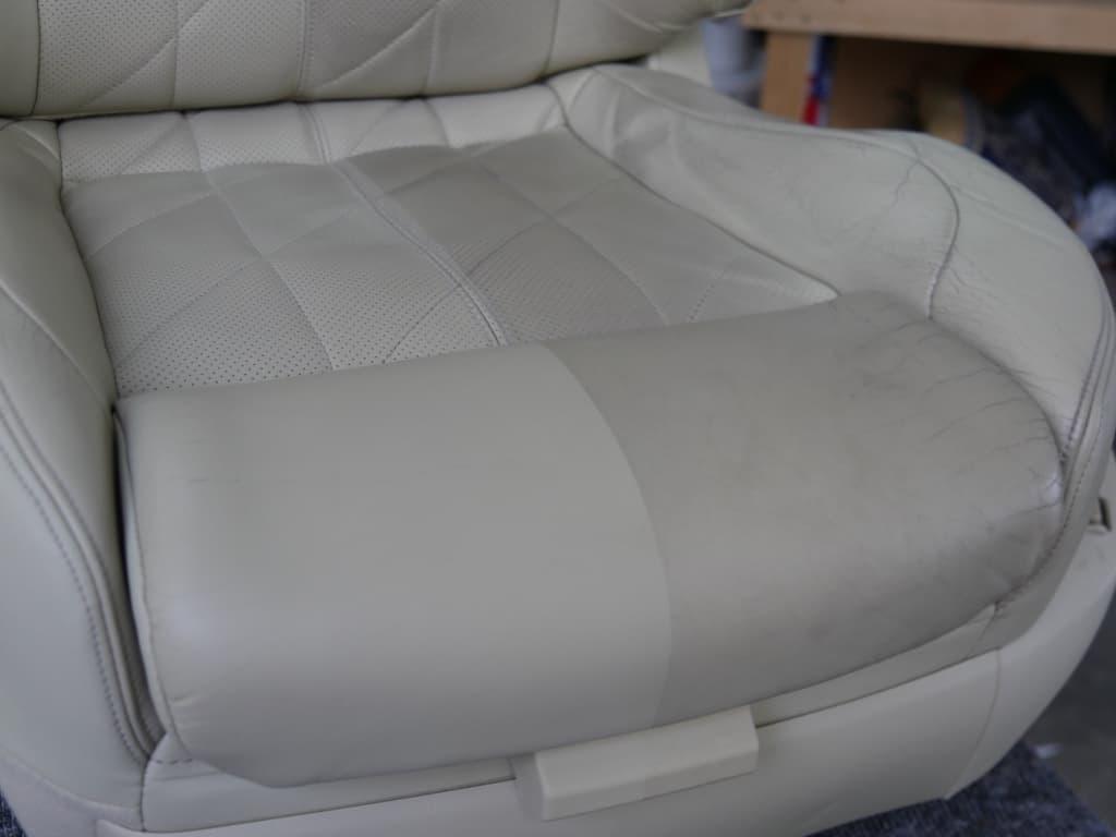 Lederen autostoel reinigen - Van Rembrandt Customs (3)